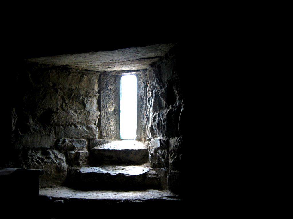 Prenez la porte l 39 hom lie du dimanche for La porte and associates